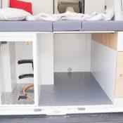 Kastenwagen Mooveo Van 63EB - Bett von hinten